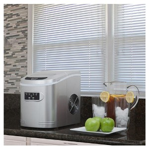 Whynter 1.5 lb Compact Portable Ice Maker