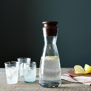 Liter Glass Carafe with Walnut Stop