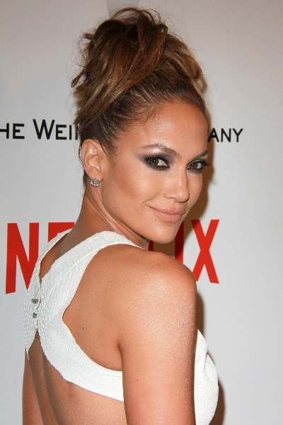 LOS ANGELES - JAN 11:  Jennifer Lopez at the The Weinstein Company / Netflix Golden Globes After Par