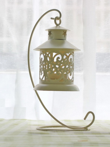 Retro Design Cut-Out Steel Candle Holder