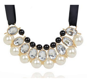 4. JQUEEN Womens Charm Jewelry Crystal Pearl