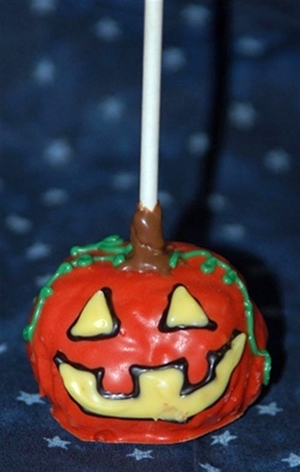 9. CRISPY TREATS PUMPKIN POP