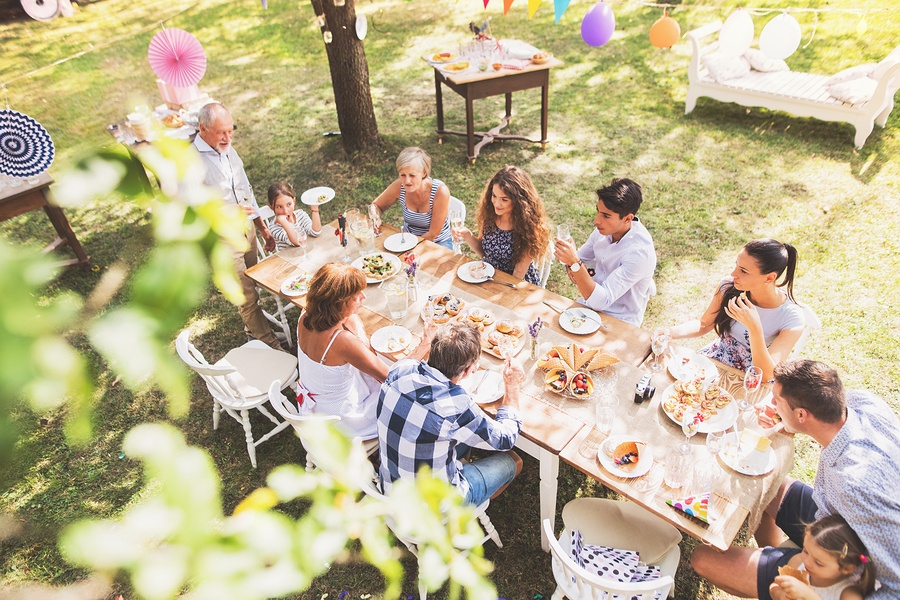 Home and Decor Ideas You Could Use to Create a Festive Garden Party