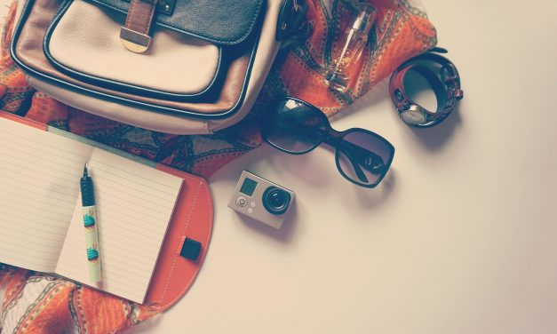 Travel Essentials You Need to Pack When Traveling this Spring