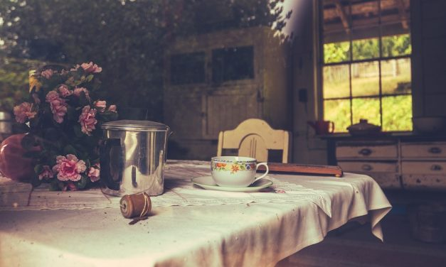 French Farmhouse Kitchen Essentials that Make You Want to Cook